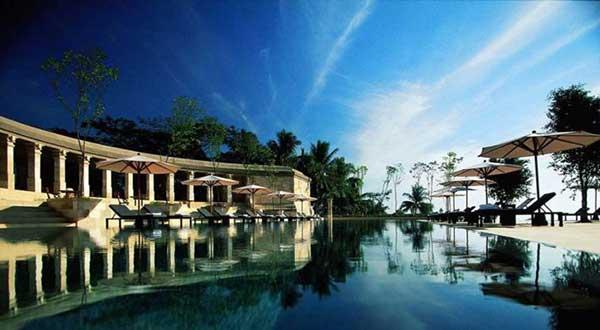 アマンジウォ リゾート 世界 遺産 ボロブドゥール寺院