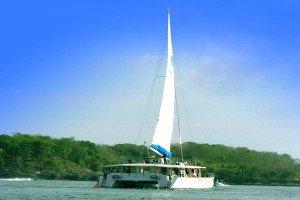 レンボンガン 島 クルーズ ビーチで 遊ぶ マリン アクティビティ ツアー