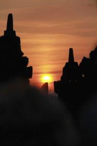 ボロブドゥール 遺跡 ツアー パッケージ 世界 遺産 観光 プラン