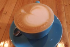 ジンバラン、コーヒー、カフェラテ