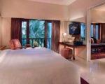 Hard-Rock-Hotel-Room2-1024x683Gal8