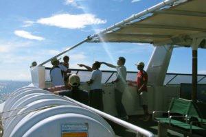 Bewish スタッフ 全員 の 社員 旅行 レンボンガン島 ディ クルーズ