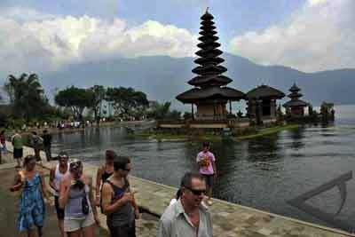 バリ観光、バリ島アジア観光客、アジア観光客