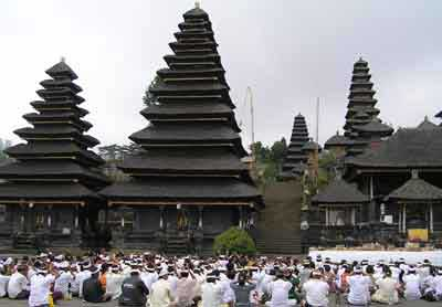 バリ島ニュース、バリ・ヒンズー教寺院