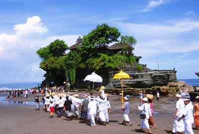 ヒンズー教の寺院、バリ島ニュース、